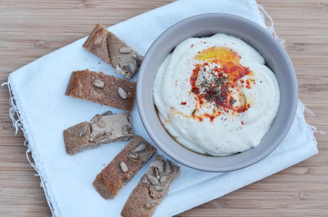 Hummus de garrofón