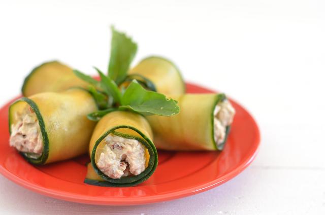 Rollitos de pepino con tofu ricotta